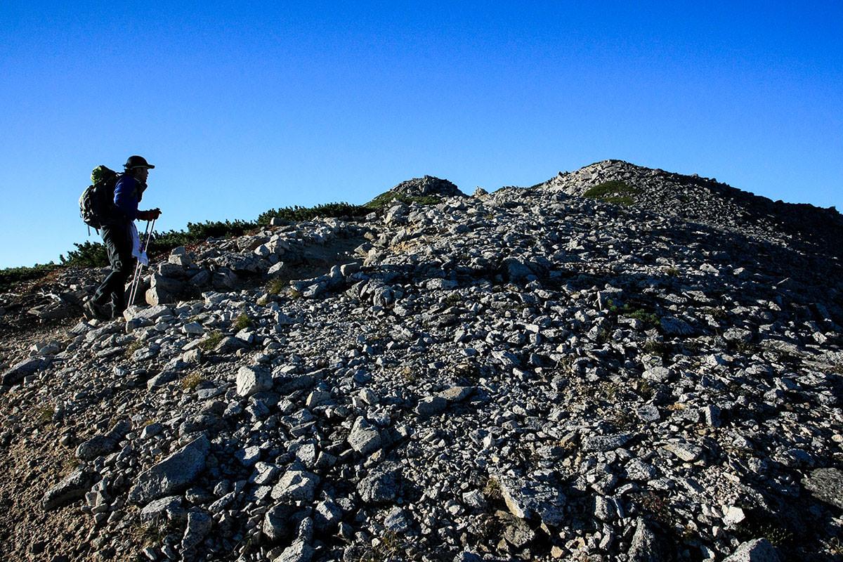 山頂への坂道
