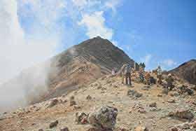 山頂への登り