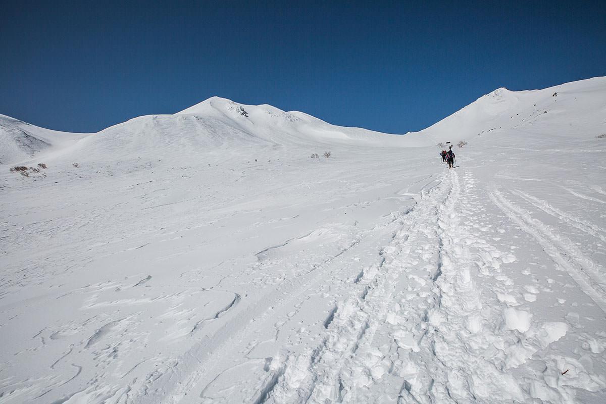 【乗鞍岳 Mt.乗鞍スノーリゾート】登山百景-広い雪原を登る