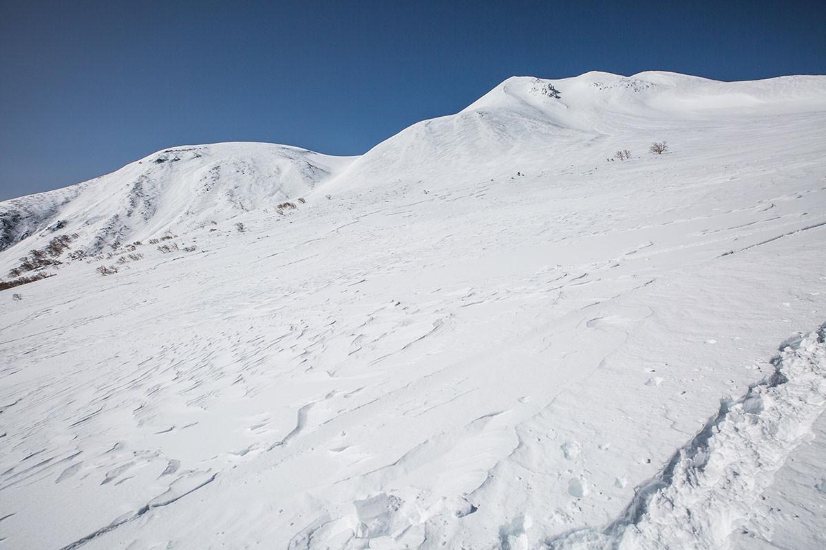 【乗鞍岳 Mt.乗鞍スノーリゾート】登山百景-ずっと剣ヶ峰を見上げていく