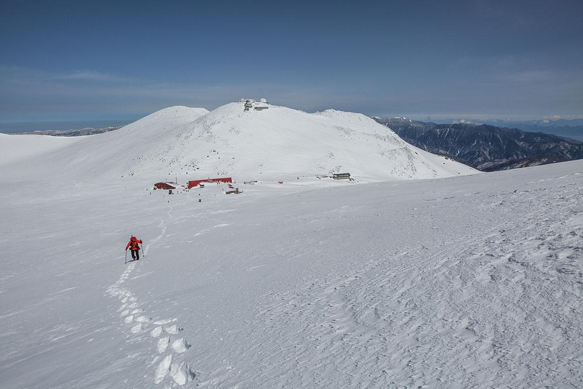 【乗鞍岳 Mt.乗鞍スノーリゾート】登山百景-振り返ると摩利支天岳