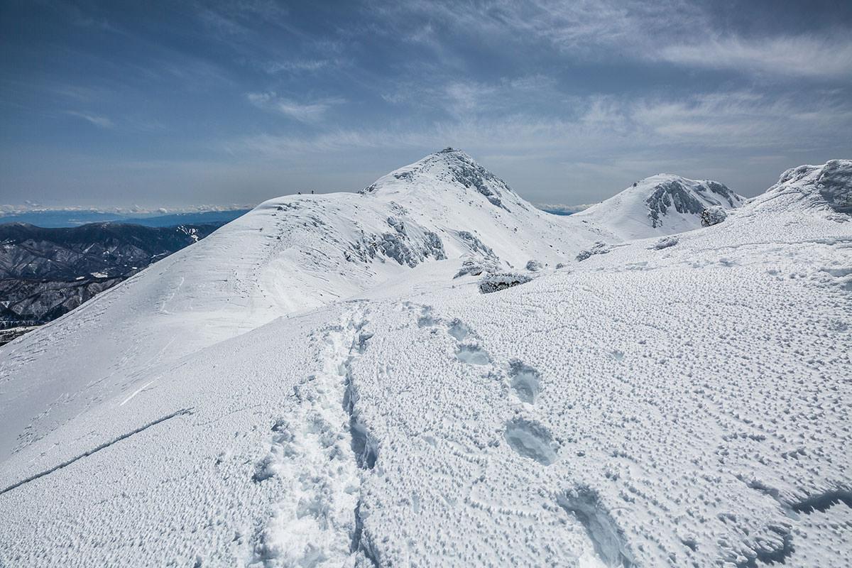 【乗鞍岳 Mt.乗鞍スノーリゾート】登山百景-いったん下る