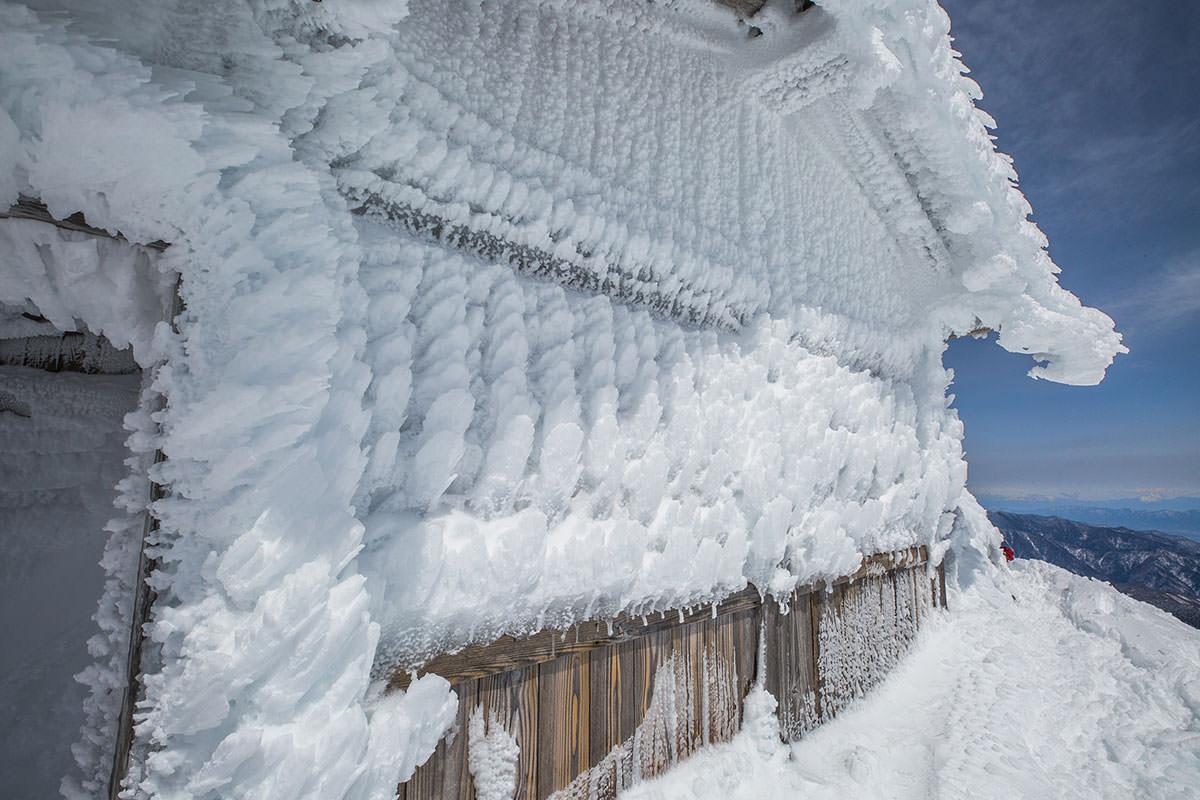 【乗鞍岳 Mt.乗鞍スノーリゾート】登山百景-壁は鱗のよう