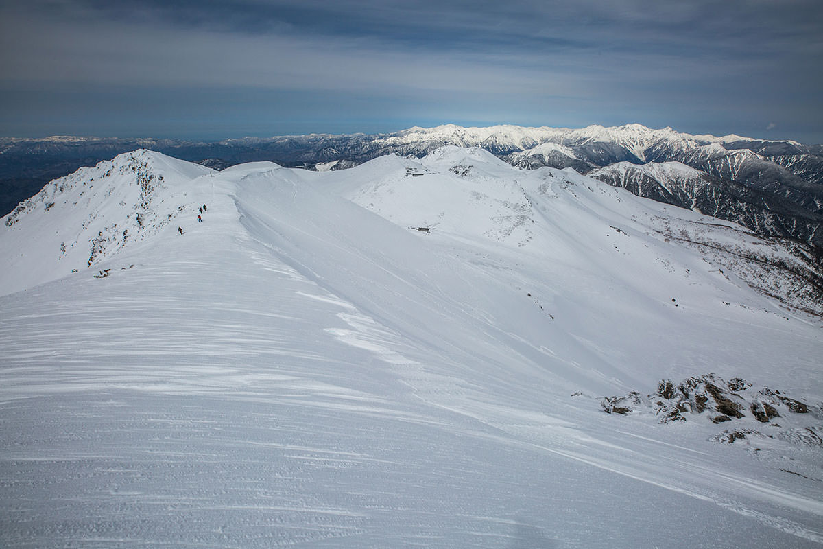 【乗鞍岳 Mt.乗鞍スノーリゾート】登山百景-剣ヶ峰から下りる