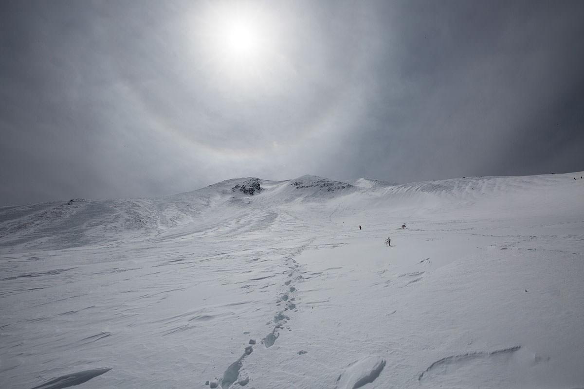 【乗鞍岳 Mt.乗鞍スノーリゾート】登山百景-振り返ると暈が見える