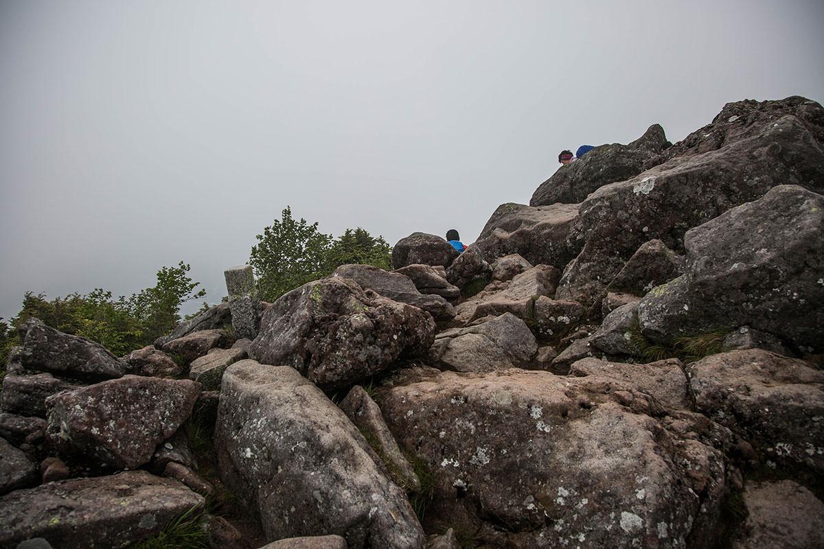 【にゅう】登山百景-にゅうは岩場だった