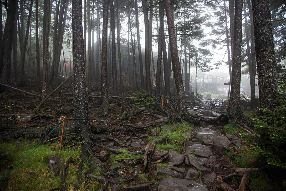 【にゅう】登山百景-高見石小屋