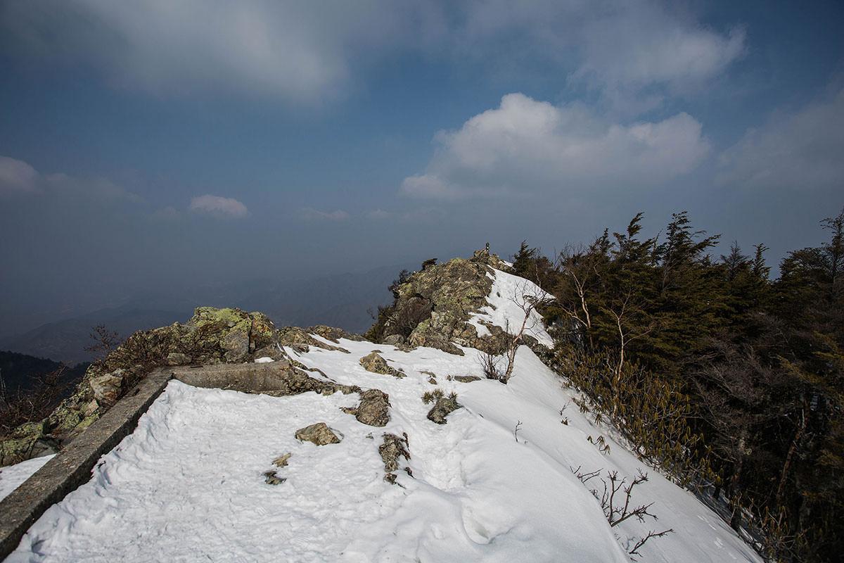 【御座山】登山百景-山頂はそこ
