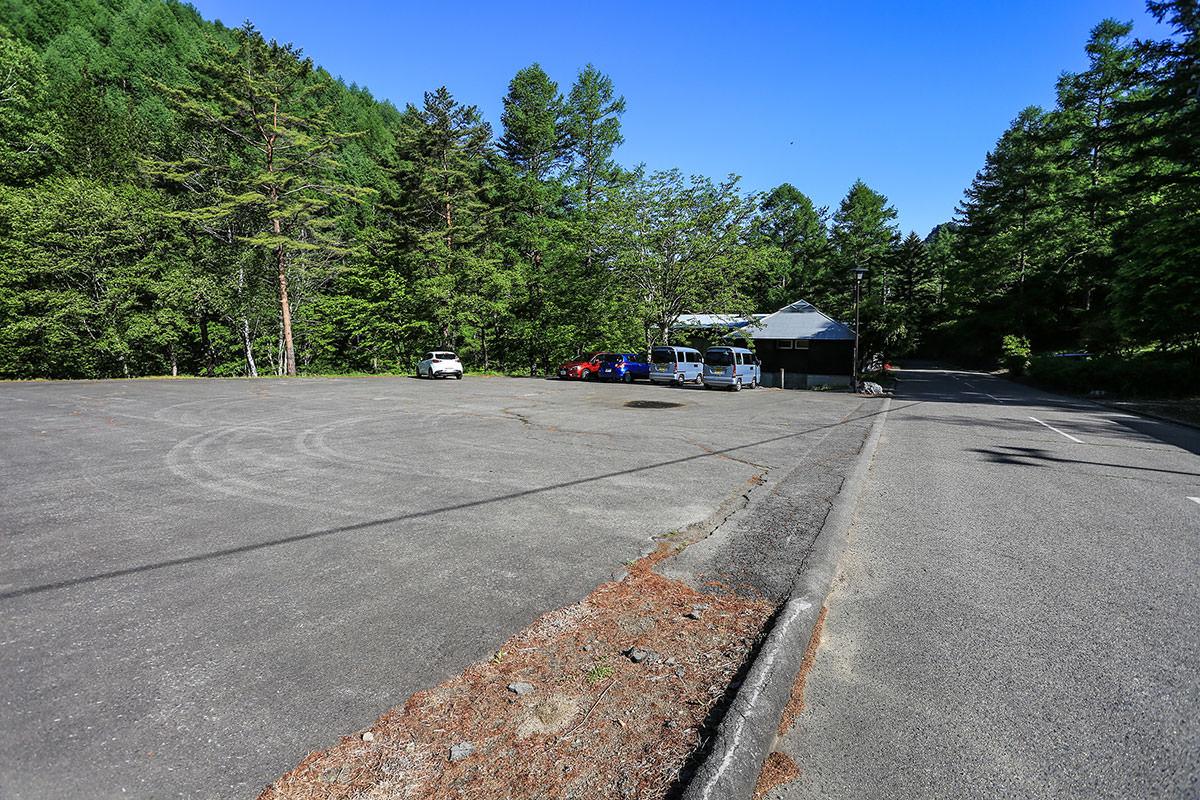 御座山-長者の森の駐車場