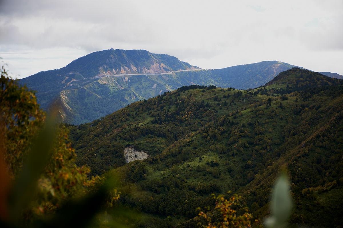 老ノ倉山-向こうに横手山が見えた