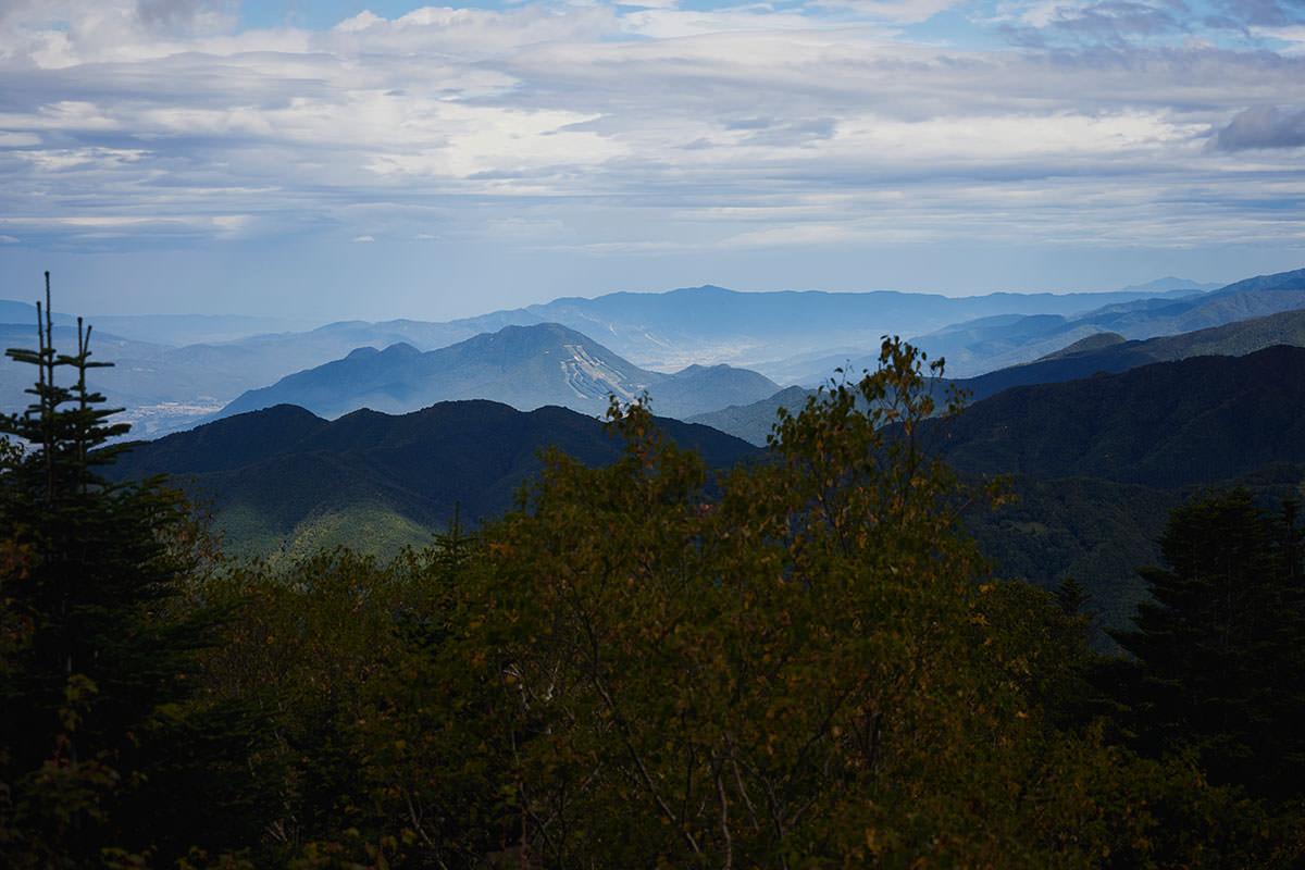老ノ倉山-高社山が低く見える