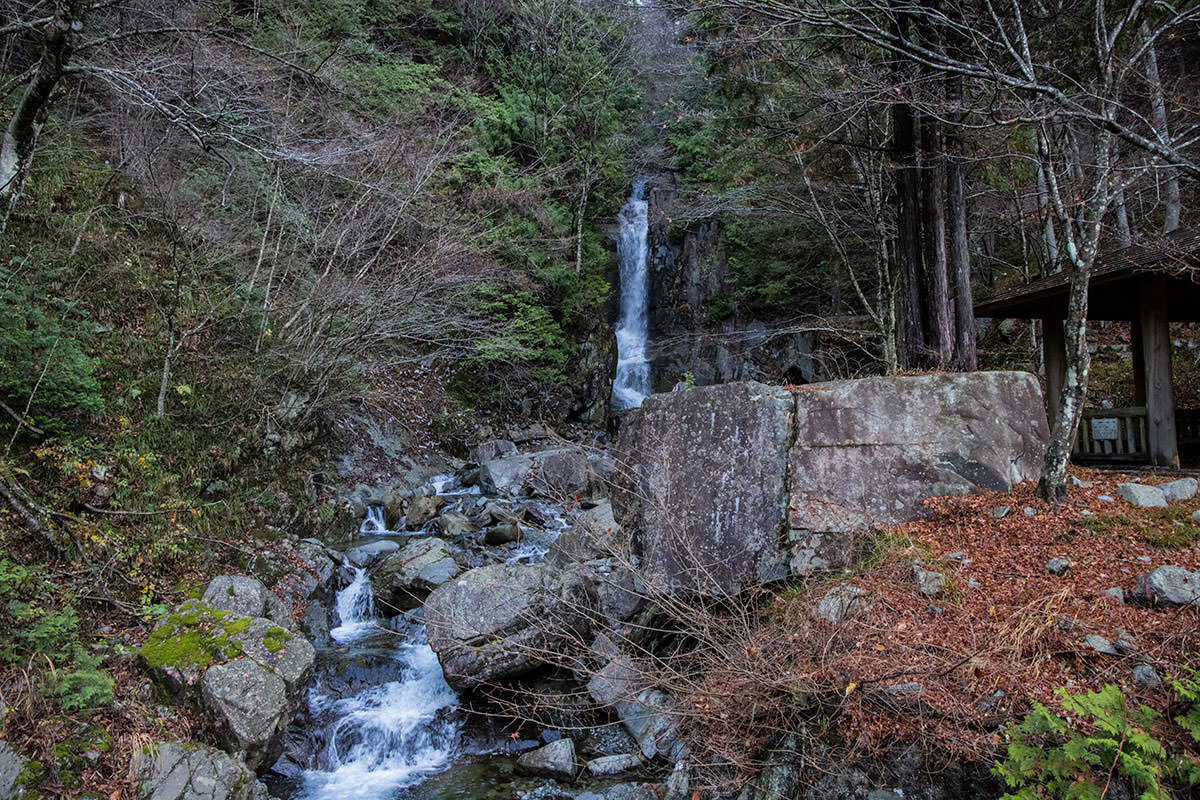 一の滝は立派