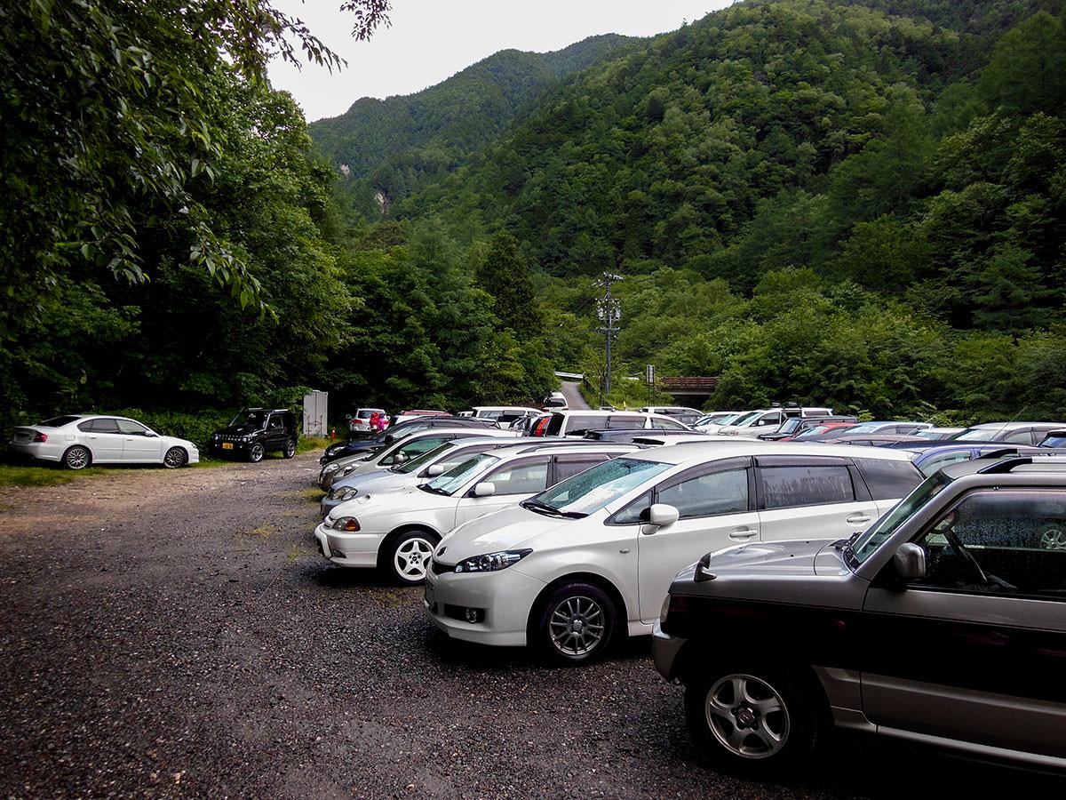 【大天井岳】登山百景-駐車場には車がいっぱい