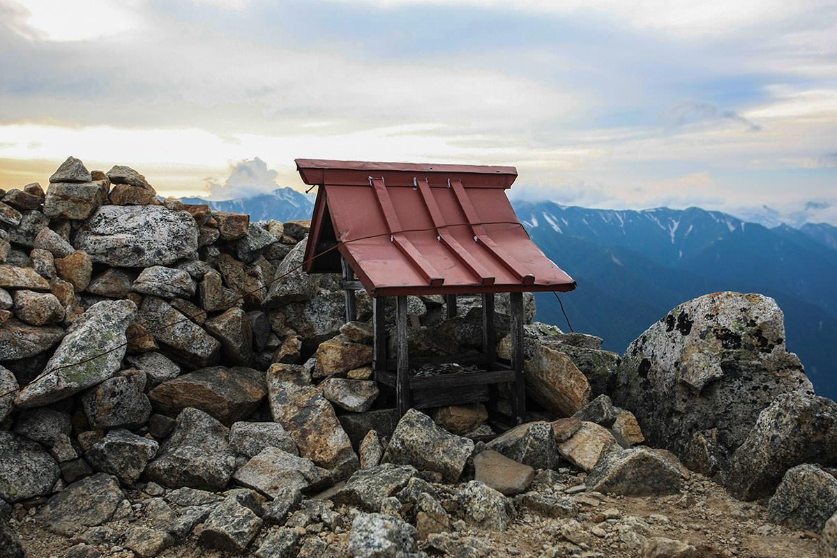 【大天井岳 表銀座】登山百景-大天井岳の祠