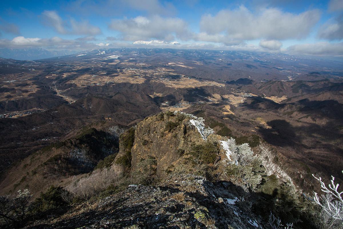 【男山】登山百景-北側は岩の尾根