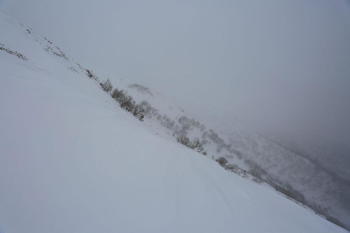 【三叉峰】登山百景-硫黄岳側の斜面