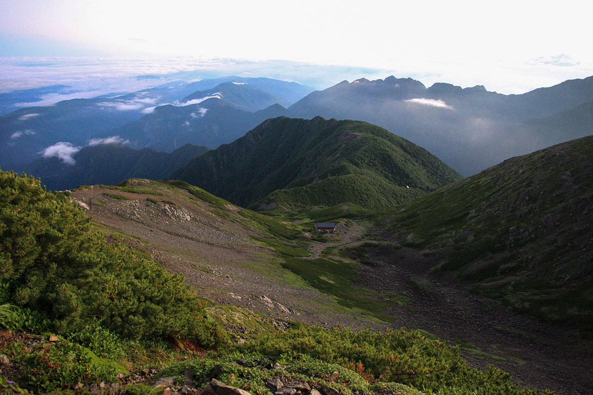 【仙丈ヶ岳】登山百景-馬の背からは仙丈ヶ岳がよく見える