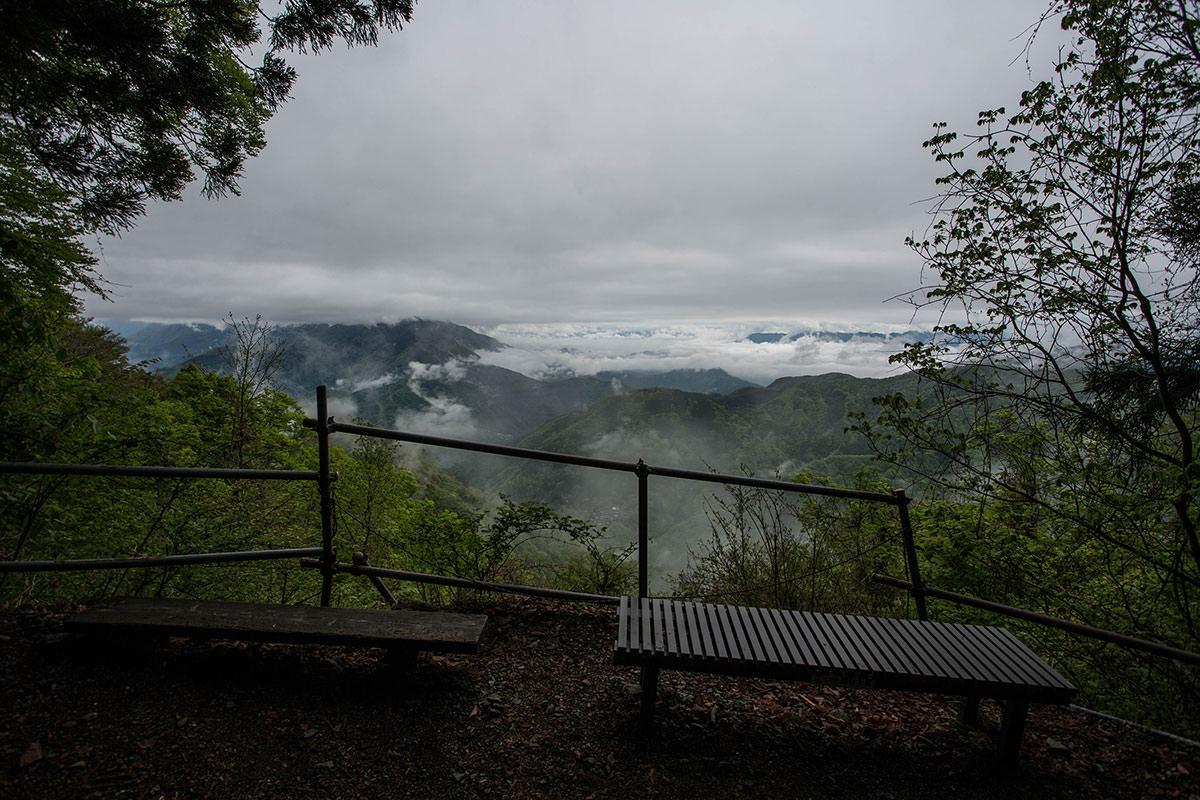 【七面山】登山百景-眺めは雲だらけ