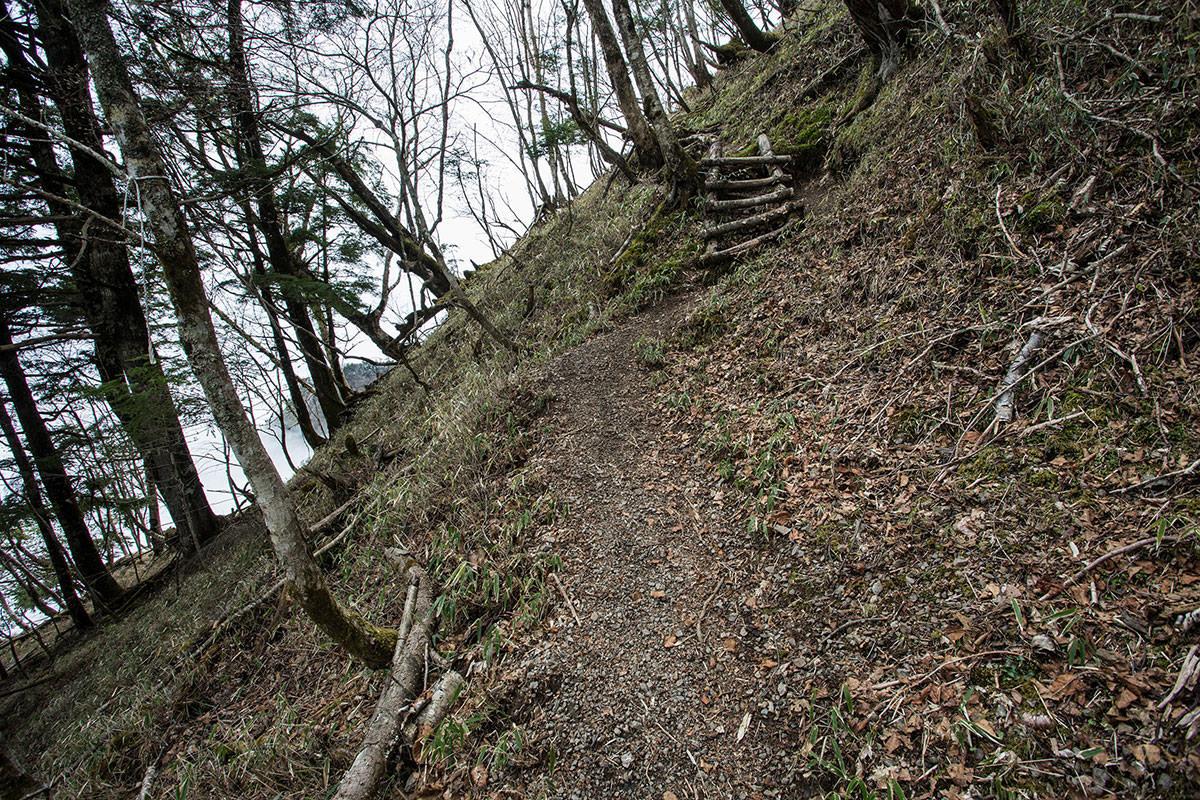 【七面山】登山百景-わりと急斜面