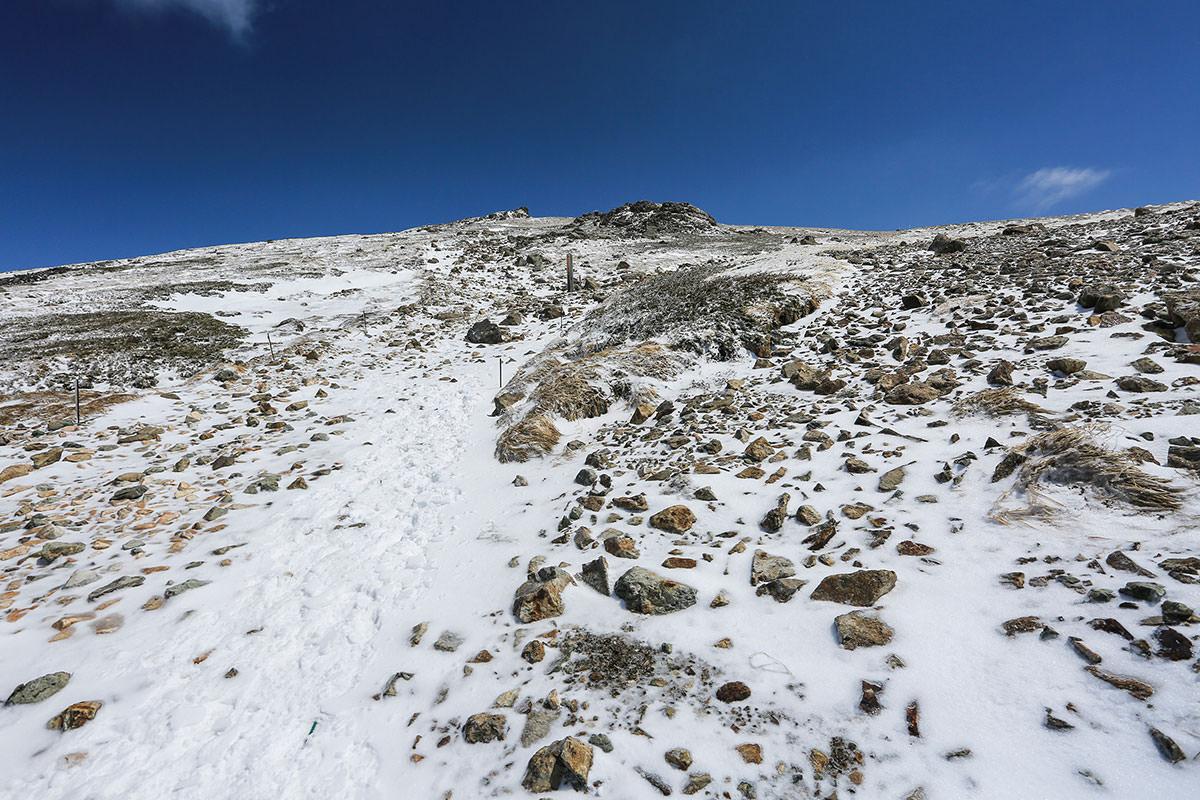 白馬岳山頂へ
