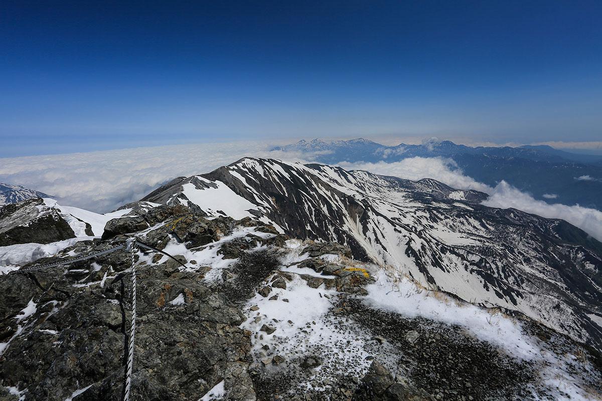 北側の蓮華岳方面