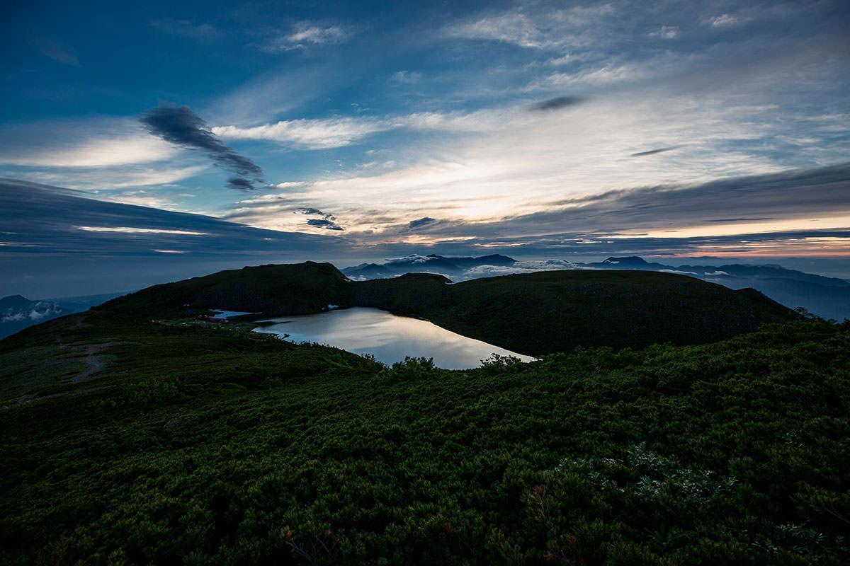 【白馬岳 栂池自然園】登山百景-大池に空が映る
