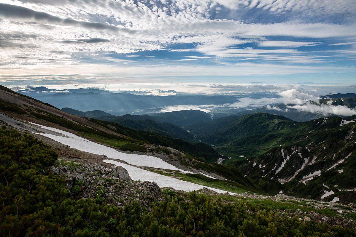 【白馬岳 栂池自然園】登山百景-白馬村の方は晴れ
