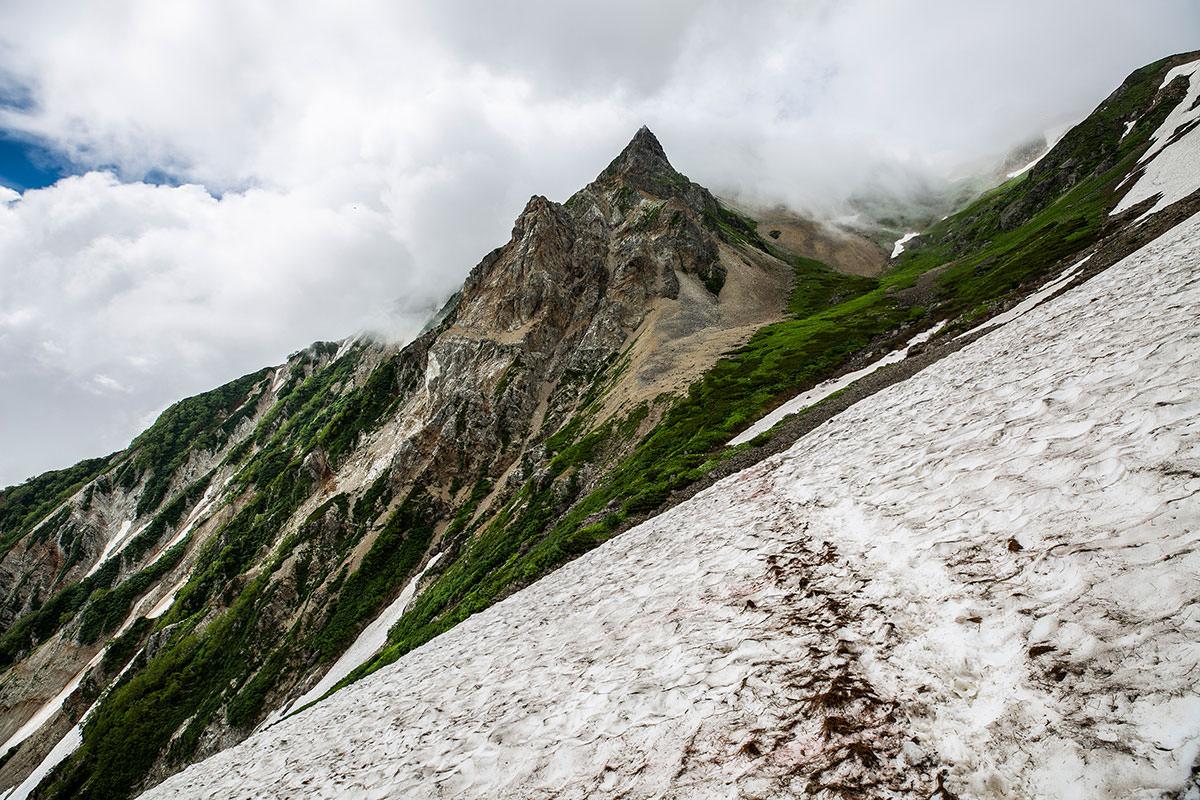 【白馬岳 栂池自然園】登山百景-雪渓をトラバース