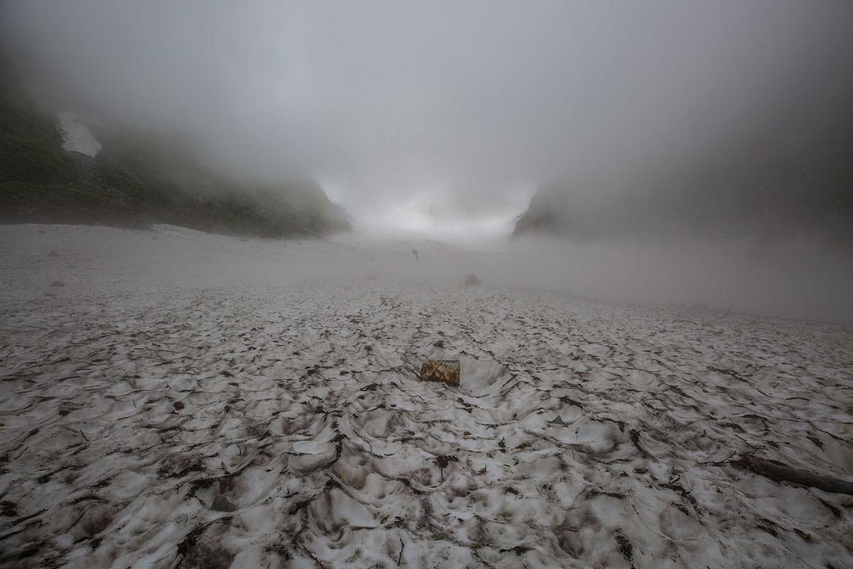 【白馬岳 栂池自然園】登山百景-雲の中を通過