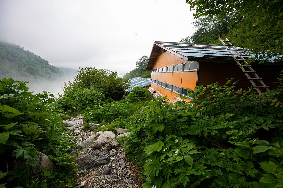 【白馬岳 栂池自然園】登山百景-白馬尻小屋に着いた