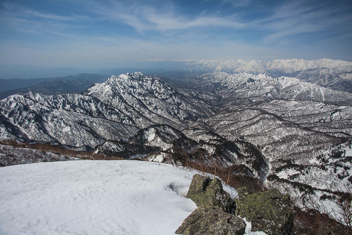 戸隠連峰と北アルプス