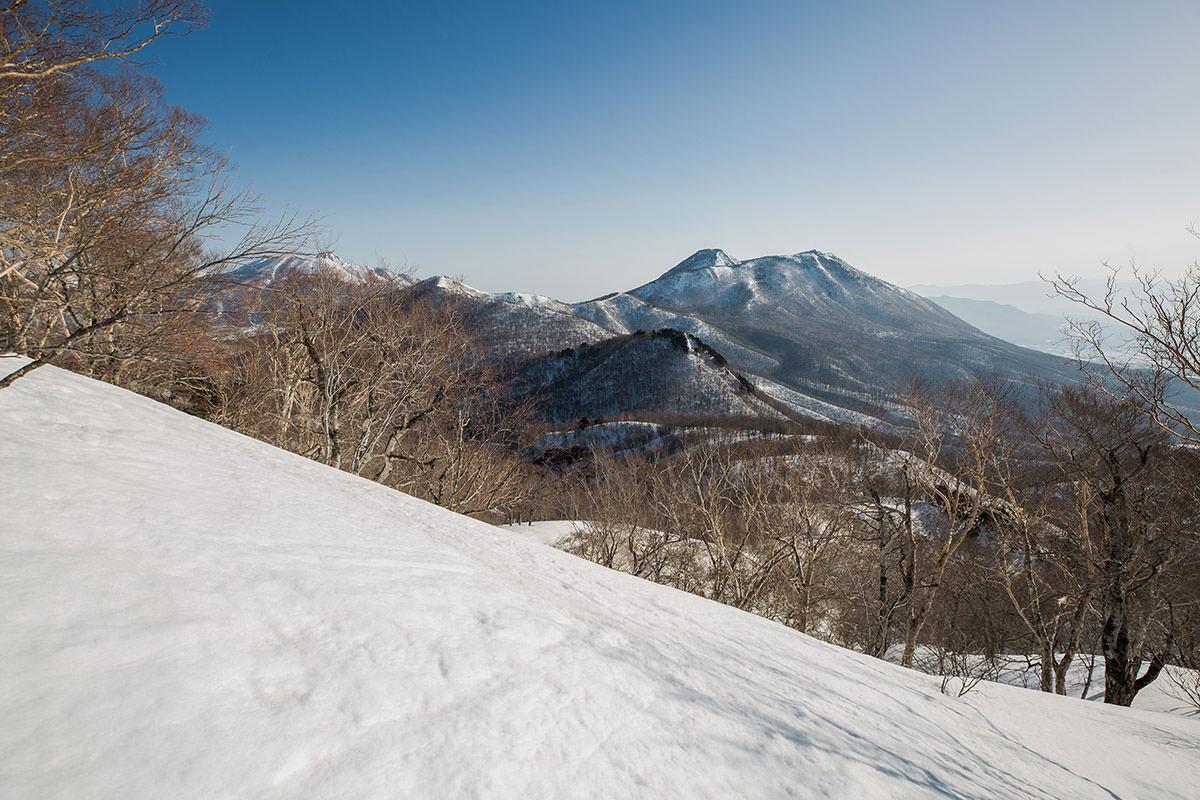 【高妻山 弥勒尾根新道】登山百景-黒姫山がよく見える