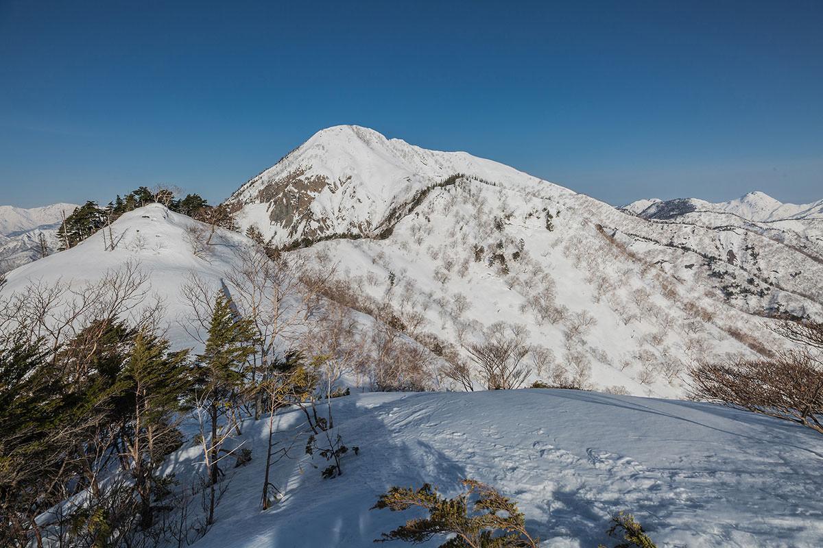 【高妻山 弥勒尾根新道】登山百景-高妻山が見えた