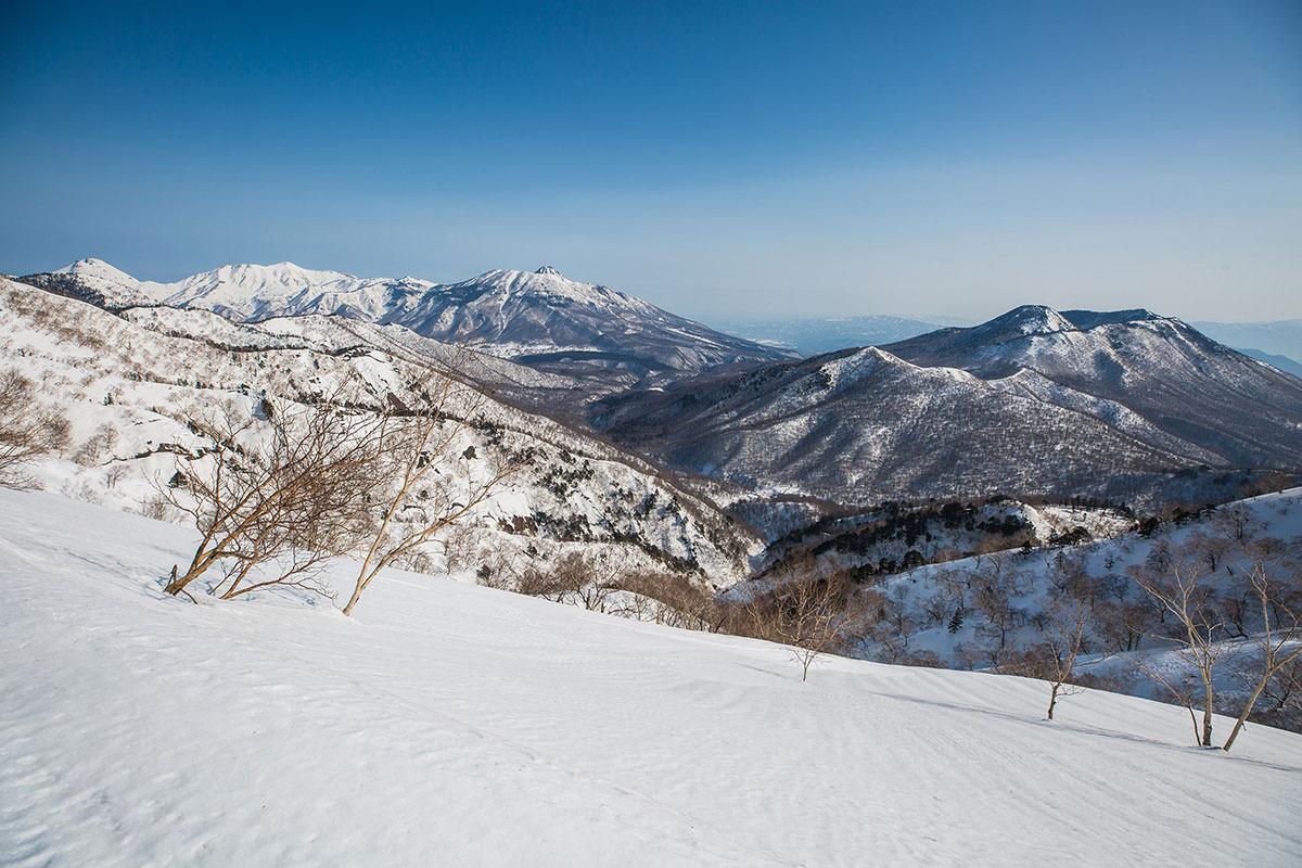 【高妻山 弥勒尾根新道】登山百景-黒姫山を眺める