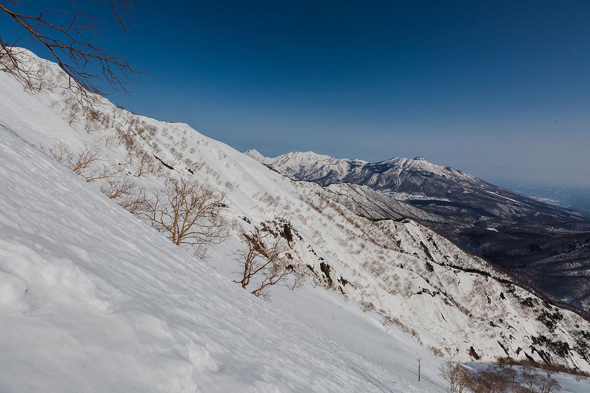 【高妻山】登山百景-右手側
