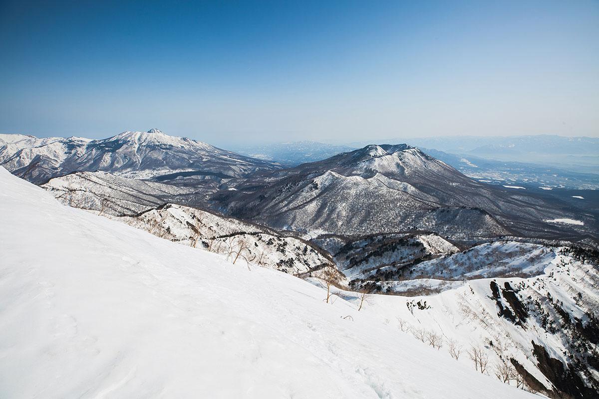 【高妻山 弥勒尾根新道】登山百景-黒姫山を見下ろす