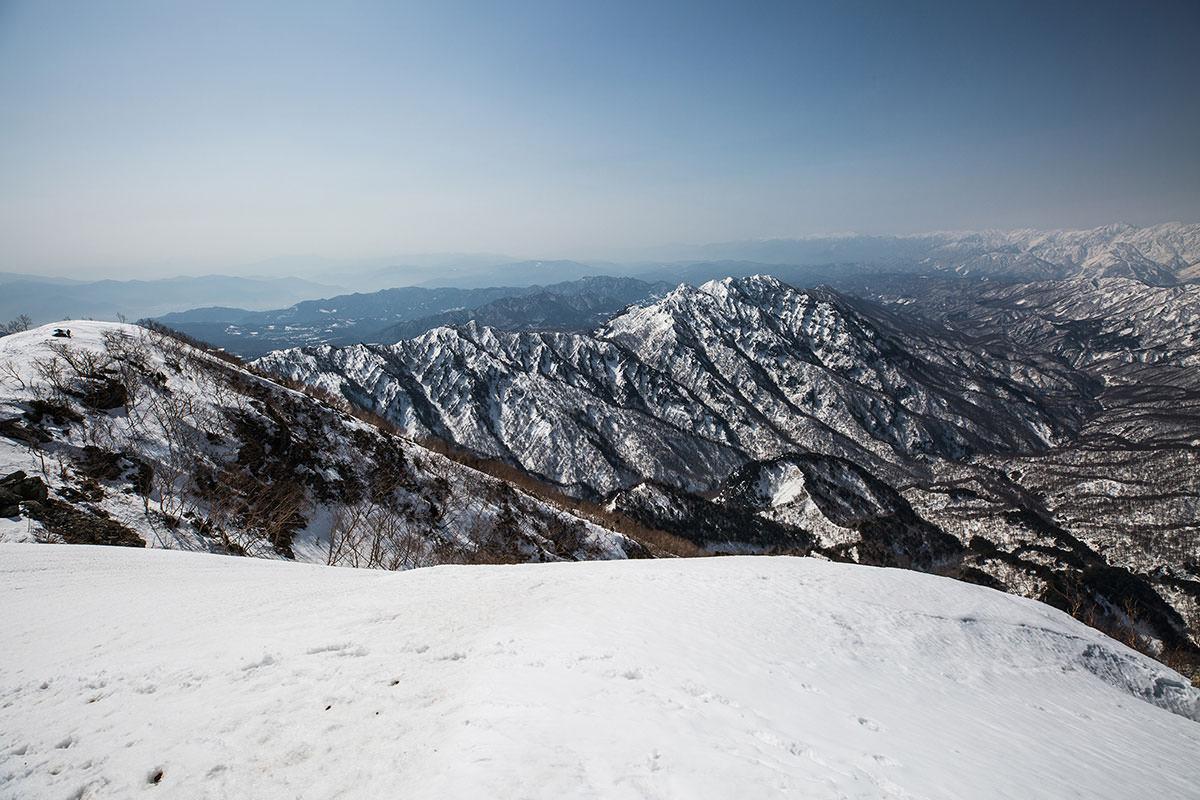 【高妻山 弥勒尾根新道】登山百景-稜線を戻る
