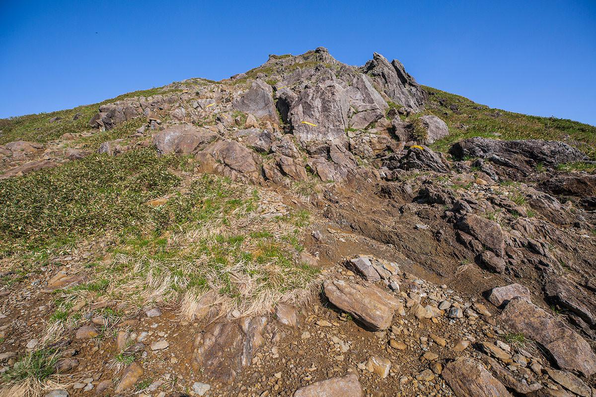 岩の急斜面