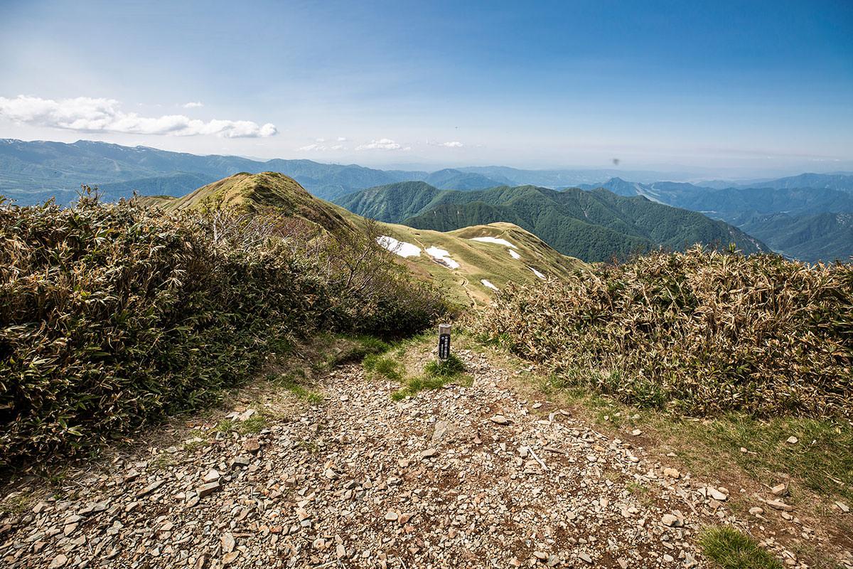 北側からの登山道