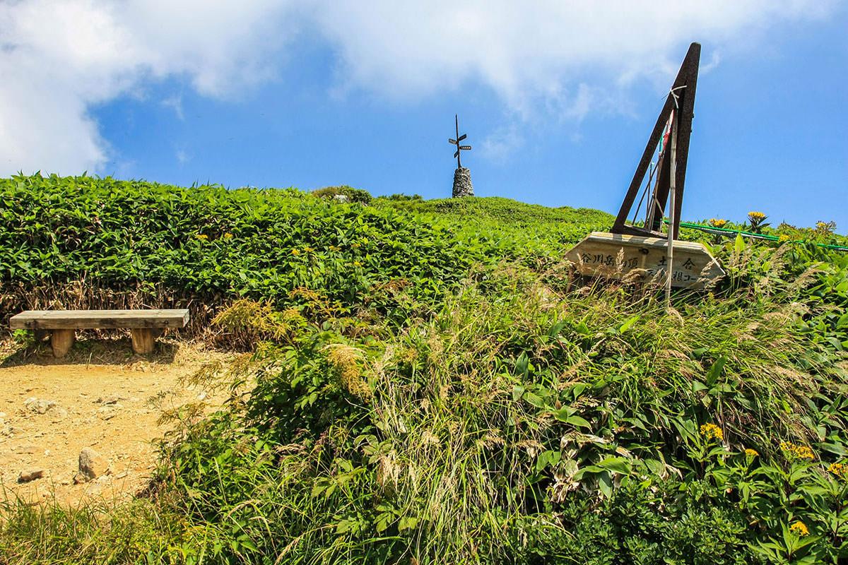【谷川岳】登山百景-いろんなものが建っている