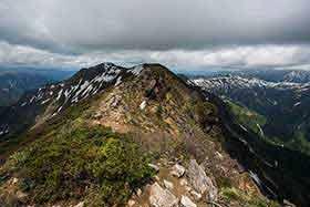 山頂から先