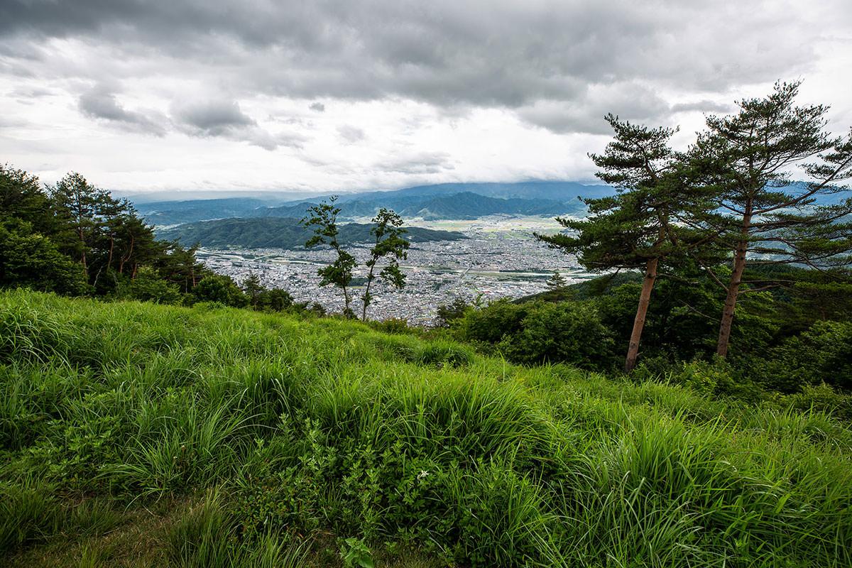 【太郎山】登山百景-上田市街が見える