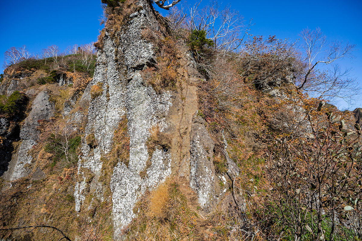 【戸隠西岳】登山百景-平均台のあとは鎖場を真っ直ぐ登る