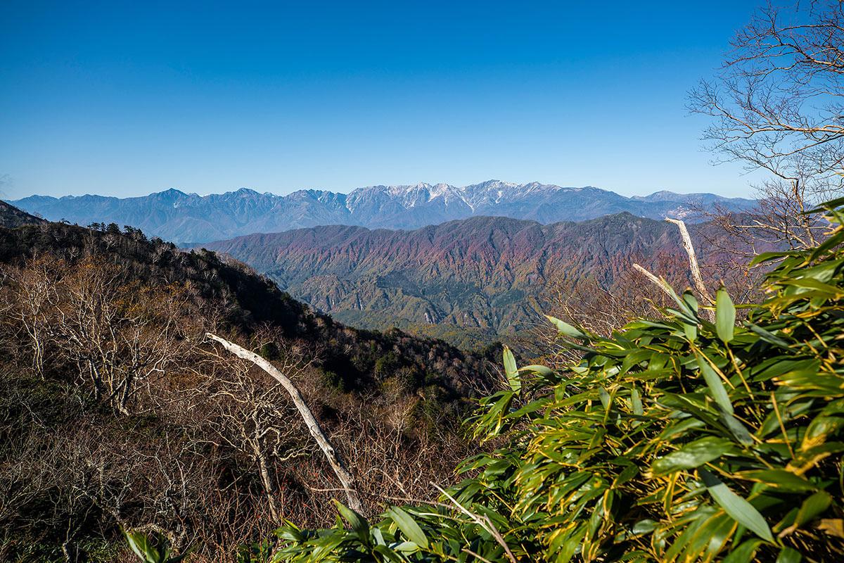 【戸隠西岳】登山百景-紅葉のグラデーション