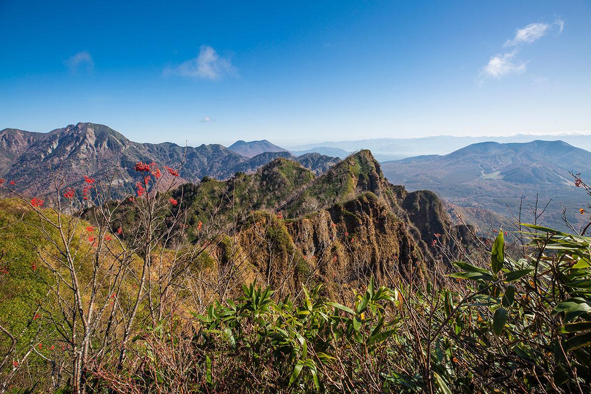 【戸隠西岳】登山百景-この稜線を行く