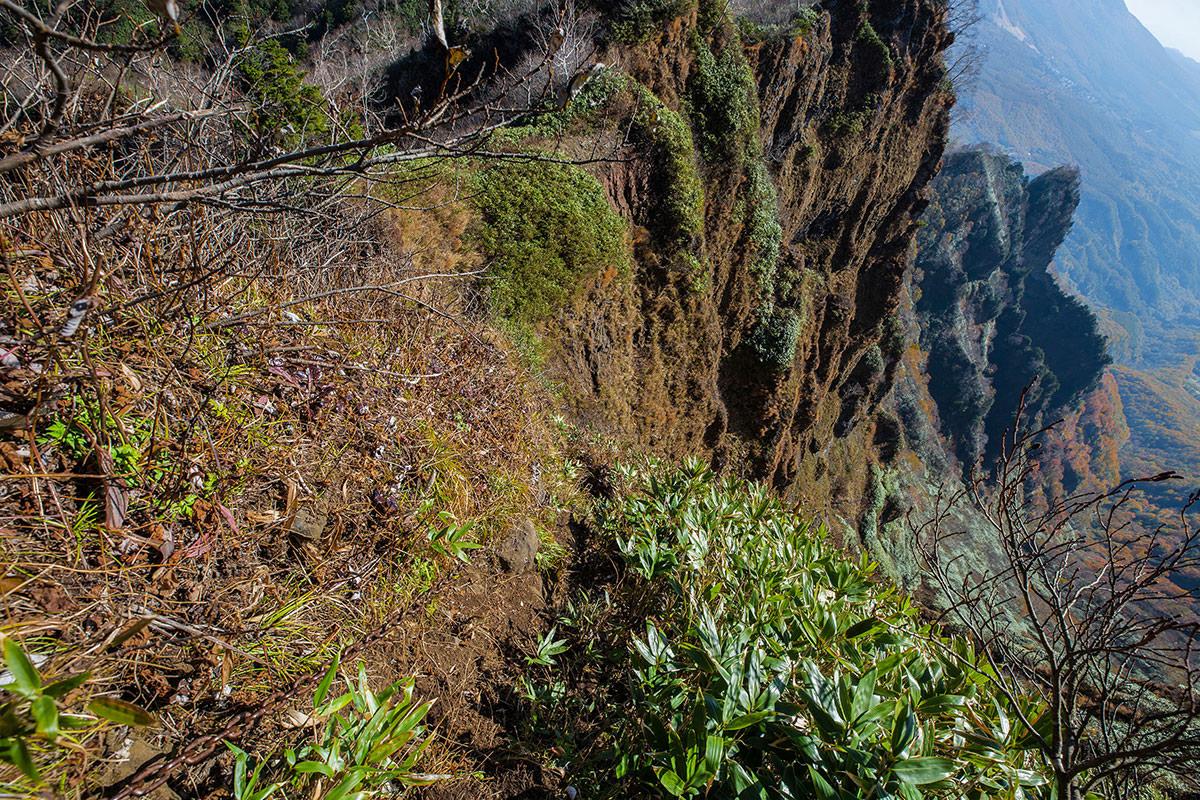 【戸隠西岳】登山百景-けっこう急な鎖場