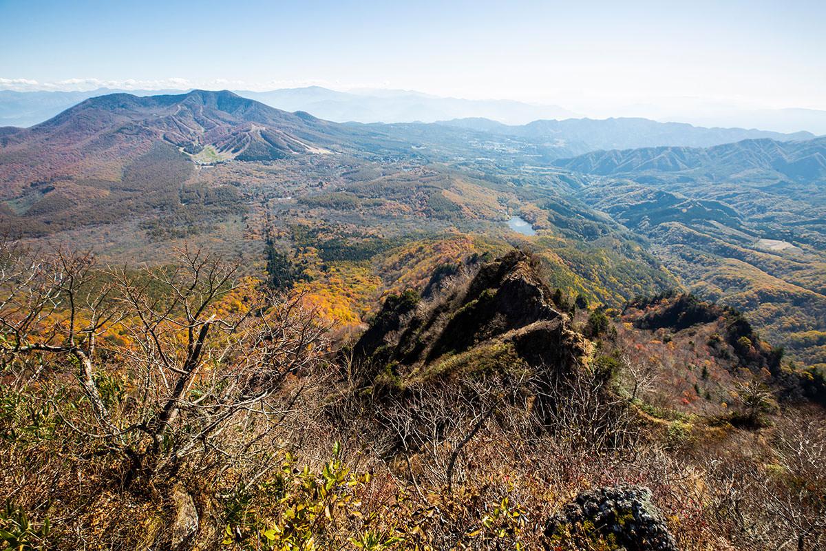 【戸隠西岳】登山百景-真下に蟻の塔渡りが見える