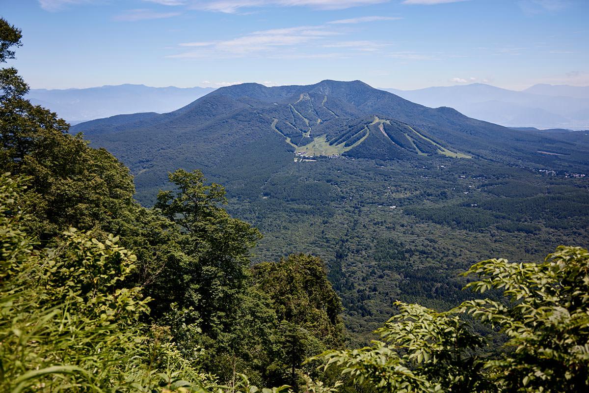 戸隠山-飯縄山がよく見える