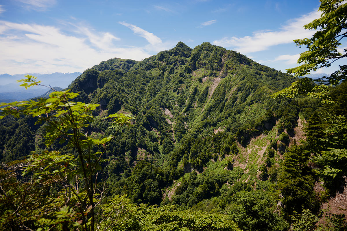 戸隠山-飯縄山の反対側には西岳