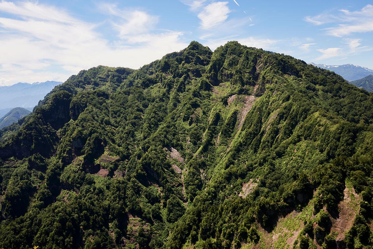 戸隠山-西岳がよく見える